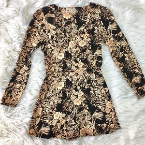 URBAN OUTFITTERS 2017 LONG SLEEVE ROMPER SZ XS